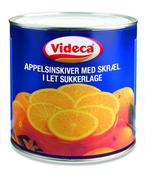 Appelsinskiver med skræl i let sukkerlage